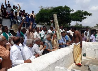 The satyagraha in Karnataka wants the tax under GST imposed on handmade goods to be removed.