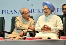 Pranab Mukherjee with Manmohan Singh during the launch of the former's book.