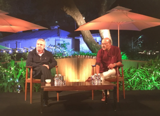 Thomas Friedman and Shekhar Gupta on stage