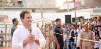 Rahul Gandhi interacting with farmers