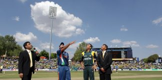 Sanjay Manjrekar (L) Mahendra Singh Dhoni of India, Younis Khan of Pakistan and match referee Roshan Mahanama at the coin toss beforeThe ICC Champions Trophy Group A Match between India and Pakistan on September 26, 2009 at The Supersport Stadium in Centurion, South Africa.