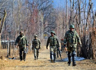Indian Army personnel in Kashmir
