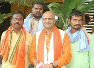Pramod Muthalik, president of the Sir Ram Sene group has become infamous for his moral policing acts | @vijayaprasad.ponnur | Facebook