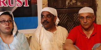 Ankit Saxena's father Yashpal Saxena (middle)