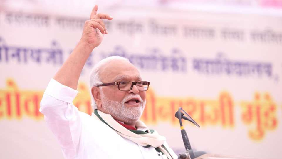 Chhagan Bhujbal, the once fiery Maharashtra leader, now sitting on fence between Sena & NCP